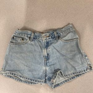 Levi's Juniors size 9 Denim Shorts